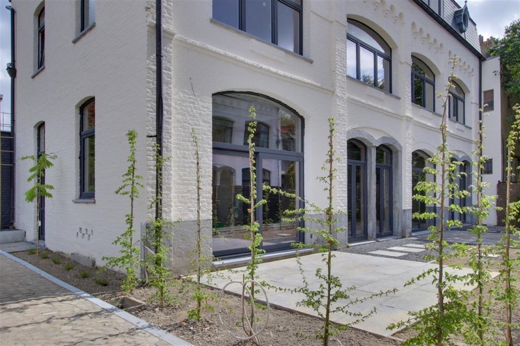Duplex de 260 m2 avec 3 ch, cave et jardin !
