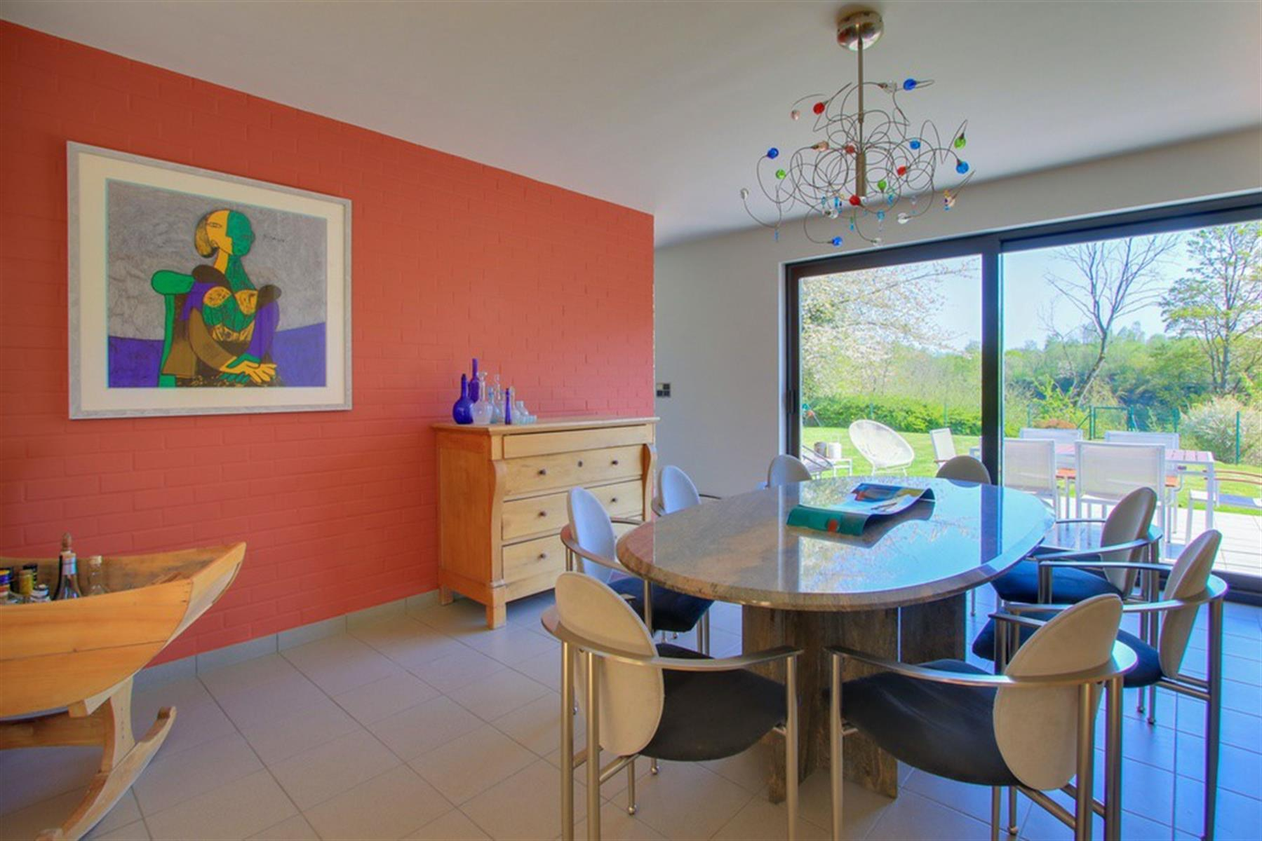 Villa de 386 m2 dans un cadre naturel exceptionnel !